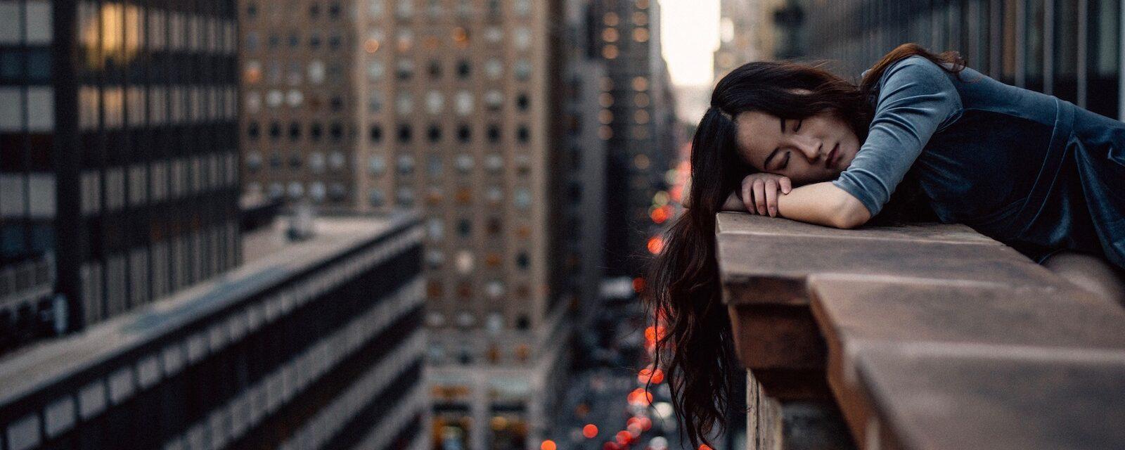 6 Anzeichen, dass Sie mehr Schlaf benötigen – Müdigkeit ist keines davon